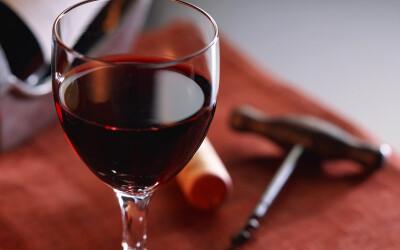 Cum a fost afectat renumele vinului romanesc in perioada comunista si cum am ajuns sa exportam de noua ori mai putin decat importam! VIDEO