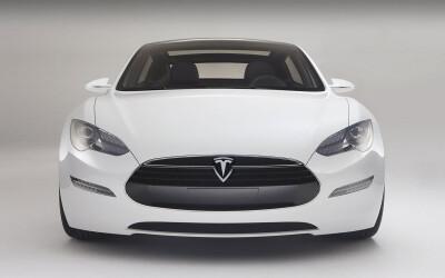 Masina care a distrus, la propriu, testele de siguranta in SUA: Uite ce s-a intamplat cu modelul Tesla S: VIDEO