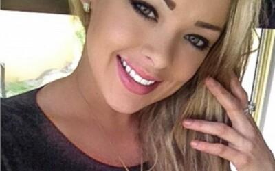 Chip de papusa si trup de...Hercule :O Tanara de 20 de ani care a starnit rumoare pe internet. Ti se pare sexy?