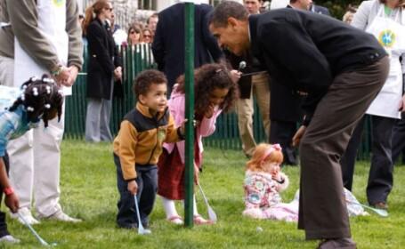 Obama a orchestrat rostogolirea oualor de Paste!