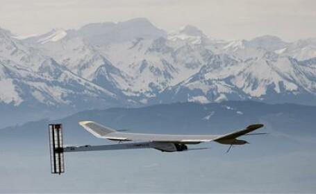 avion cu energie solara