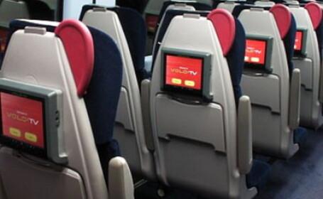 Englezii si-au tras televizioare in tren!