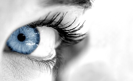 Culoarea ochilor ar putea reprezenta un indicator al starii de sanatate si este asociata cu rezistenta la durere