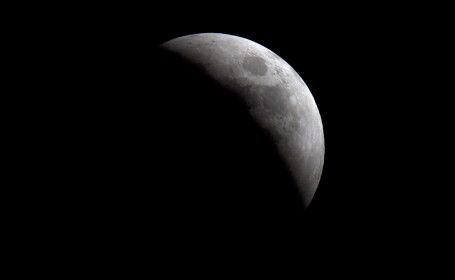 Descoperirea de pe luna care i-a convins pe rusi ca trebuie sa-si faca o baza PERMANENTA acolo