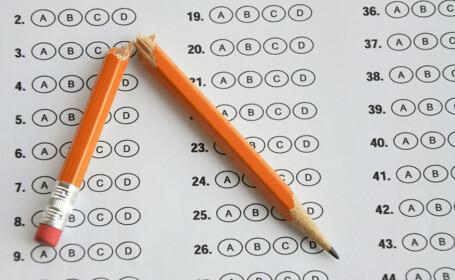 Intrebarea dintr-un examen de clasa a opta la care nimeni nu poate fi sigur ca a raspuns corect
