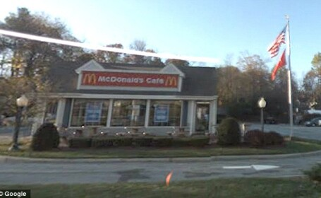 Anuntul de angajare publicat de un restaurant McDonald\'s. Candidatii, revoltati cand l-au citit