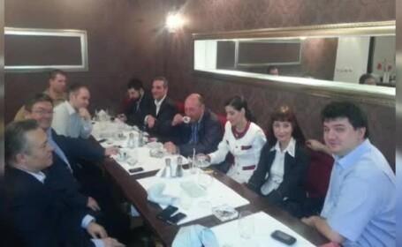 Traian Basescu la restaurant cu membrii Miscarii Populare