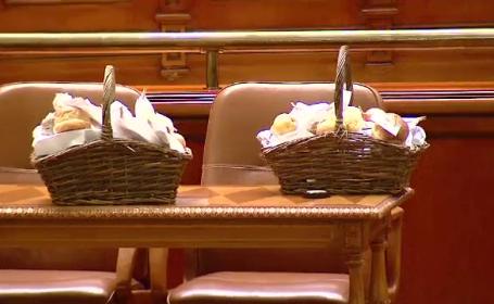 cosuri mancare parlament