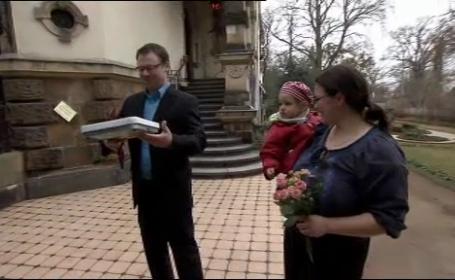 Cercetatori: Cei care sunt fericiti in cuplu se ingrasa la patru ani dupa casatorie
