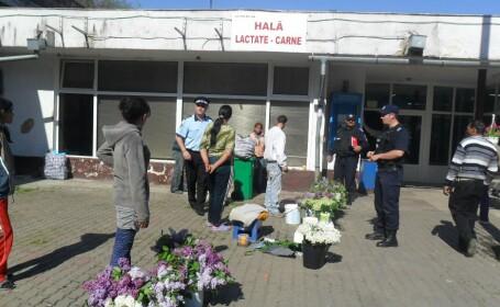 Mai multe persoane care vindeau flori in Piata 700 fara a avea autorizatie, alungate de politisti