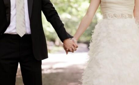 Motivul pentru care femeia care s-a maritat cu 5 barbati pana la 25 de ani risca inchisoarea. FOTO