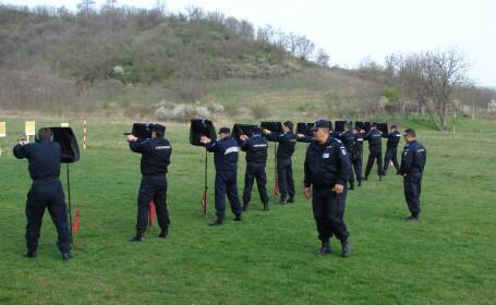 Jandarmii din Alba au intervenit pentru a elibera un grup de ostatici si pentru a salva un turist ratacit pe munte