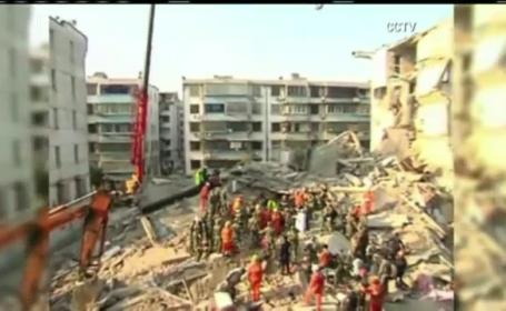 Scene cutremuratoare in China. O persoana a murit si alte 6 au fost ranite, dupa ce un bloc de 5 etaje s-a prabusit