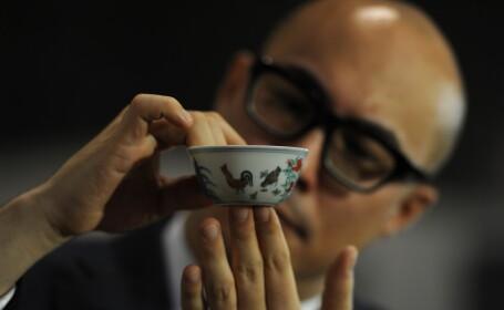 Un vas de ceramica vechi de 500 de ani a spulberat toate recordurile la o licitatie. Suma platita este enorma. FOTO