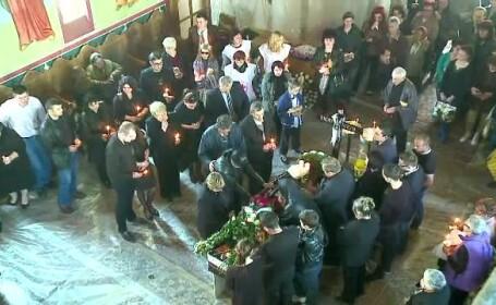 Cele trei fete care au murit in incendiul din Constanta au fost inmormantate. Incidentul bizar care a avut loc