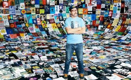 Un barbat din SUA a purtat un tricou diferit in fiecare zi, timp de 1.000 de zile. Care au fost motivele lui
