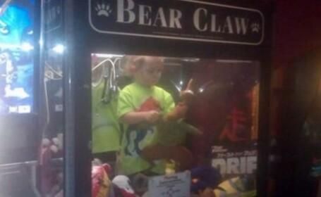 Un baietel de trei ani, dat disparut in Statele Unite, a fost gasit intr-un tonomat de jucarii