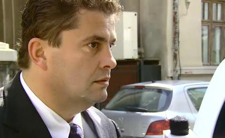Deputatii din Comisia juridica au RESPINS cererea de incuviintare a arestarii preventive a deputatului Florin Popescu
