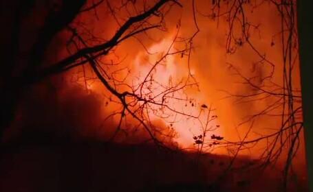 Explozie puternica intr-un bloc din Slobozia. 14 apartamente au fost distruse, iar un tanar e in stare grava la spital
