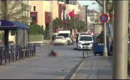 O femeie a fost ucisa intr-un atac armat asupra sediului central al politiei din Istanbul