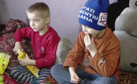 Povestea a 10 frati din Moldova care traiesc alaturi de parinti cu 500 de lei pe luna. Pastele nu e o sarbatoare pentru ei