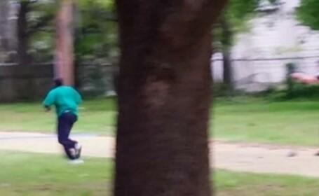Politist american alb, acuzat de crima dupa ce a impuscat de opt ori un barbat de culoare in timp ce fugea. VIDEO