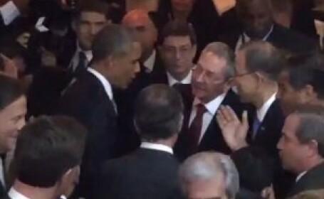 Moment istoric. Barack Obama si Raul Castro s-au salutat si si-au strans mana la Summitului Americilor. FOTO si VIDEO