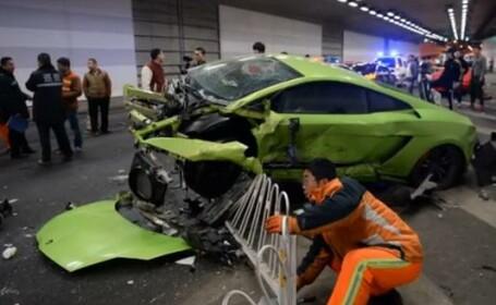 Un Lamborghini si un Ferrari facute zob la Beijing inainte de premiera filmului \