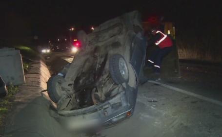 Accident grav pe DN1. Un mort si doi grav raniti dupa ce masina in care se aflau s-a ciocnit cu un TIR incarcat cu lemne