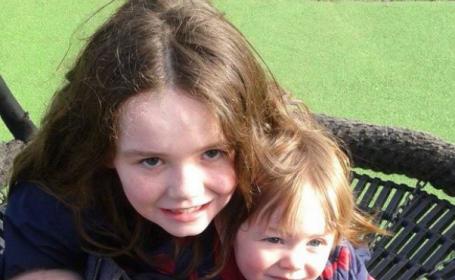 O fetita de 9 ani a ajutat-o pe mama ei sa nasca dupa ce s-a uitat pe ascuns la un serial cu medici. Cum a decurs totul