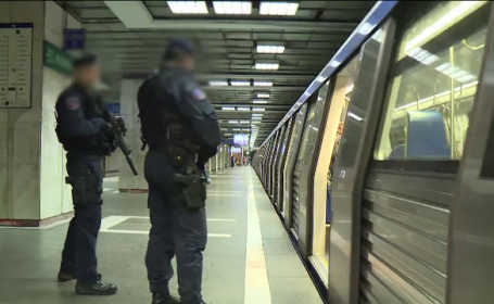 Jandarmi inarmati cu pistoale-mitraliera, in statiile de metrou din Capitala. Cum explica autoritatile aceasta decizie