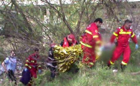 O femeie de 57 de ani a incercat sa se sinucida in raul Arges. Ce au descoperit pompierii cand au scos-o din apa
