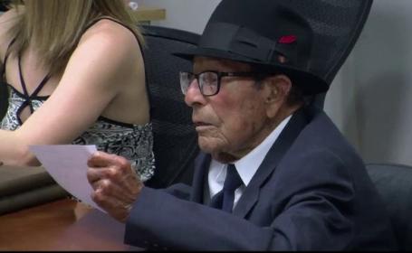 La 96 de ani, un veteran de razboi din SUA se pregateste de absolvire. Ce a descoperit cand a mers sa-si ridice diploma