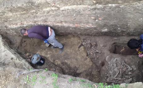 Descoperire arheologica importanta la Iasi. Necropola cu ramasite umane vechi de sute de ani gasite langa o biserica
