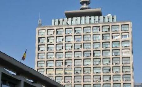 Management in stil TVR: Rate de leasing platite degeaba, sefi care-si gasesc de lucru prin alte institutii