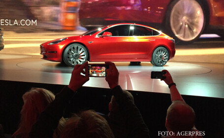 lansare Tesla Model 3