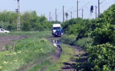 Cadavrul unui bucurestean a fost gasit pe un camp din Vrancea, langa o masina cu motorul pornit. Politia a inceput o ancheta