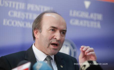 Ministrul Justiţiei îi critică pe procurori. \