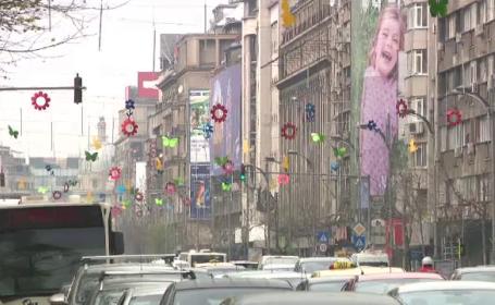 Mai multe orase din Romania s-au umplut de iepurasi si decoratiuni de Paste. \