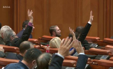 Proiect de lege adoptat in Parlament. Din aprilie, primarii si viceprimarii vor avea salariile marite cu 30 %