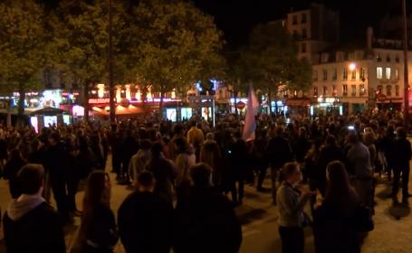 Le Pen se retrage temporar de la conducerea FN. Sute de oameni au protestat fata de rezultatul obtinut de ea in alegeri