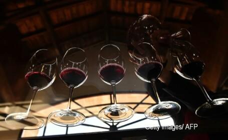 Studiu: Alcoolul ne ajută să vorbim mai bine într-o limbă străină