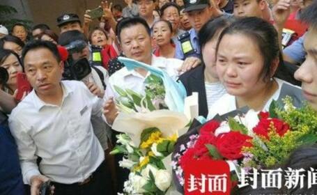 O familie şi-a găsit fiica după 24 de ani de căutări. Fata se afla la 20 de kilometri depărtare