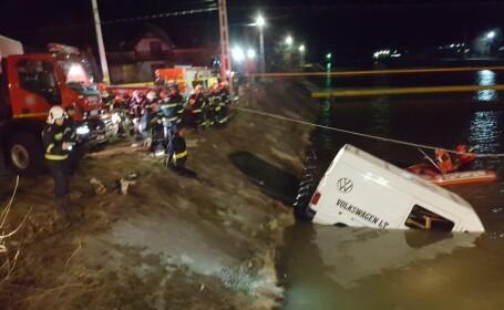Microbuz căzut în râul Bistrița: 9 morți și un supraviețuitor. Dosar penal pentru ucidere din culpă