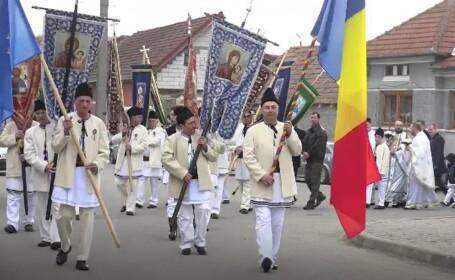 Tradiție unică într-un sat din Alba. Procesiunile din Joia Mare, conduse de localnicii în vârstă