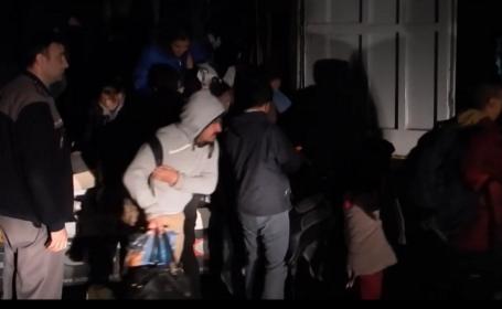 Reţea de trafic de migranţi condusă de un pakistanez, anihilată de DIICOT. Îi plăteau pe poliţiştii de frontieră