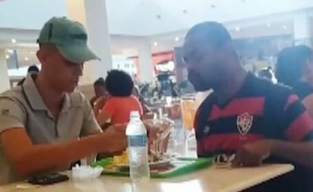 Gestul emoționant al unui angajat de la un fast-food a devenit viral