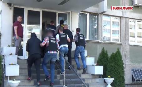 Trei bărbați din Mureș, cercetați de polițiștii. Suma furată dintr-o locuință