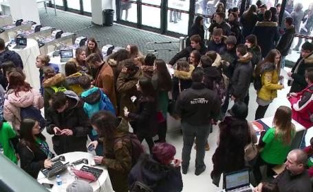 Studenții și profesorii protestează, marți, după reducerea locurilor la buget