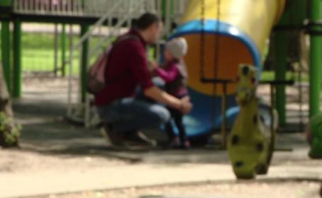 """Specialiştii prezenți în România pentru a """"educa"""" părinții care nu se înțeleg cu copiii"""